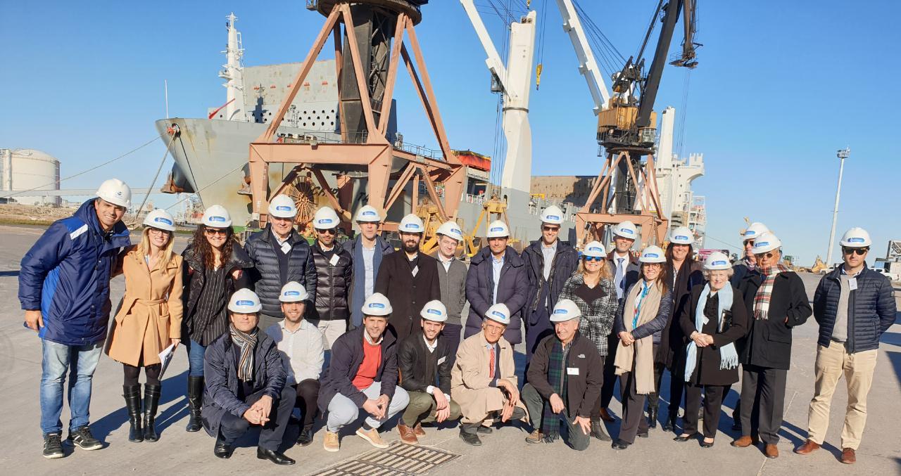 visita al puerto de Bahía Blanca Camara de comercio Argentino Holandesa